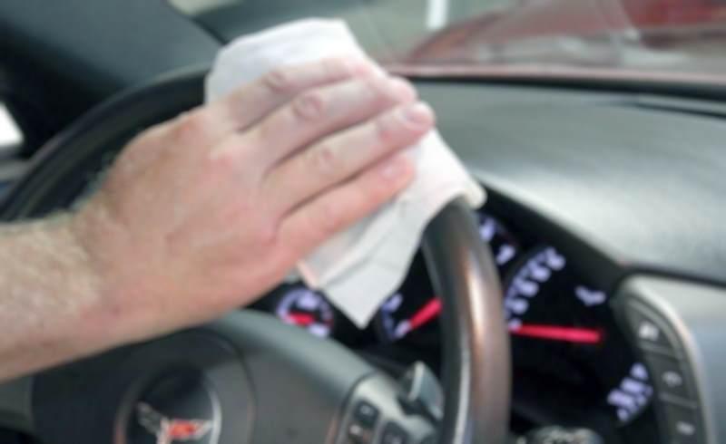 pulizia auto con rimedi naturali