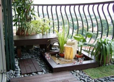 Come attrezzare un giardino in terrazzo o sul balcone