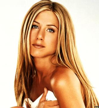 jennifer-aniston-pelle-sana