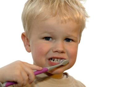 lavare-denti-bambino
