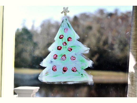 Decorazione Finestre Per Natale : Come si fa per dipingere scene di natale sui vetri delle finestre