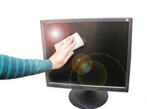 come-pulire-schermo-computer