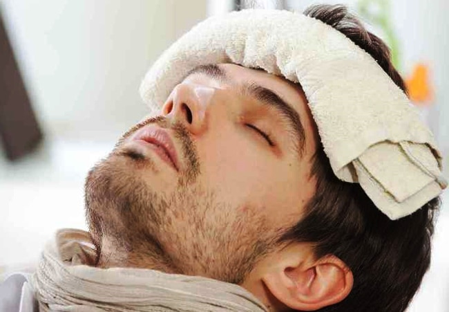 Come-abbassare-la-febbre-temperatura-corpo-in-modo-naturale