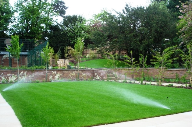 Come costruire un piccolo sistema di irrigazione for Sistemi di irrigazione giardino