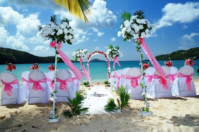 Matrimonio Spiaggia Ricevimento : Come organizzare un matrimonio sulla spiaggia ecomesifa
