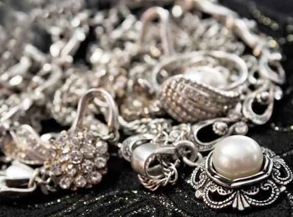 come-pulire-argento-argenteria-gioielli
