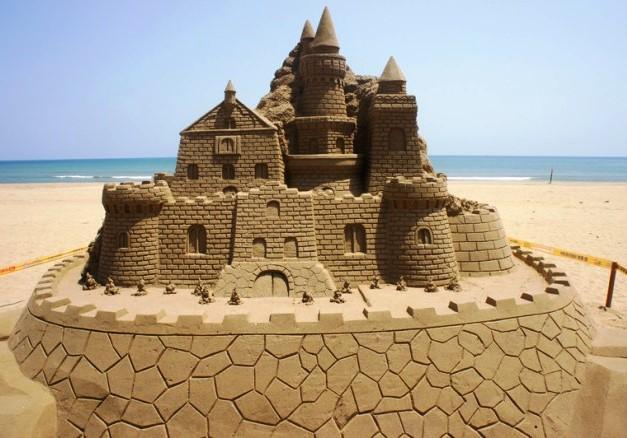Come costruire un castello di sabbia - Immagini di spongebob e sabbia ...
