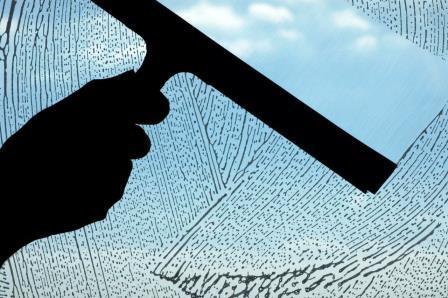 Come pulire i vetri di casa o dell auto - Come pulire casa ...