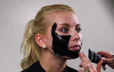rimuovere acne dal viso