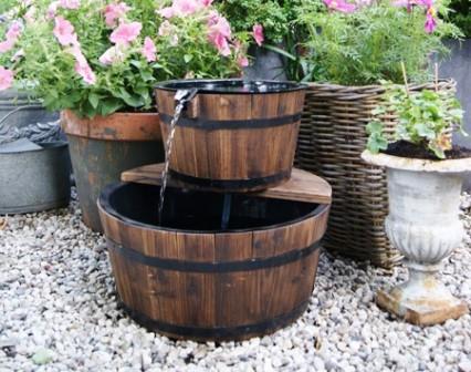 Come ricavare una fontana da una botte fai da te - Fontane fai da te per giardino ...