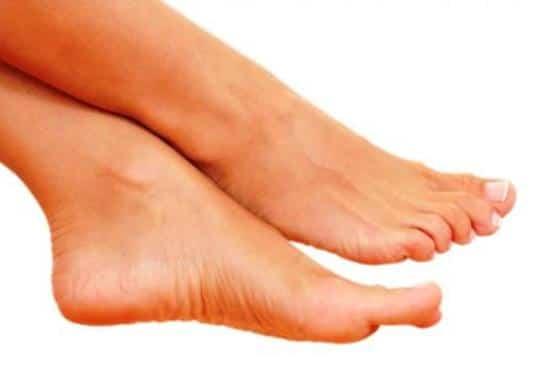 Se può passare un fungo a unghie di gambe a unghie di mani