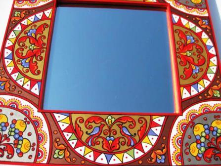 Come decorare uno specchio casa - Colori a specchio ...