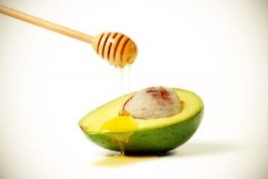 Avocado e miele per la cura della pelle