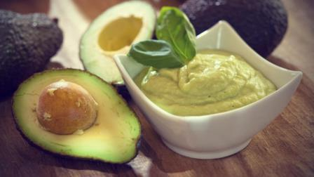 Ingredienti per preparare maschera capelli all'avocado