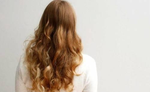 Fare capelli ricci o ondulati