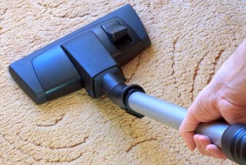pulire il tappeto