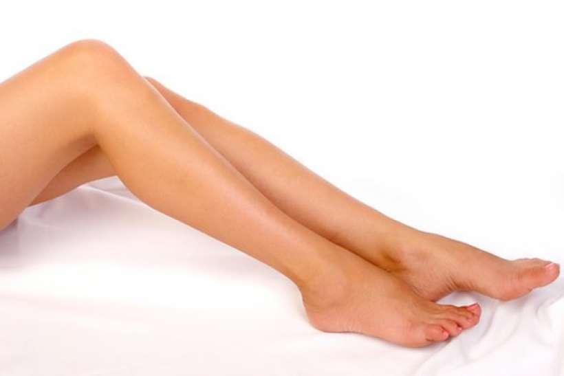 come rimuovere i brufoli sulle gambe