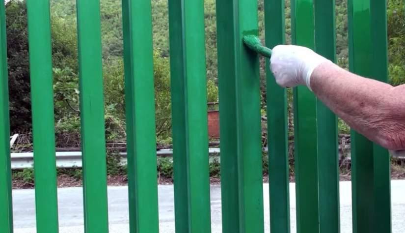 pitturare cancello o recinzione