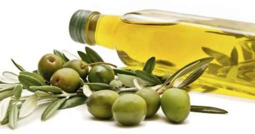 rimedi naturali con olio di oliva