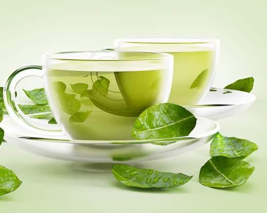 tisana al tè verde contro le gambe stanche