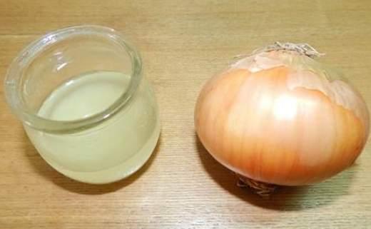 succo di cipolla per i capelli