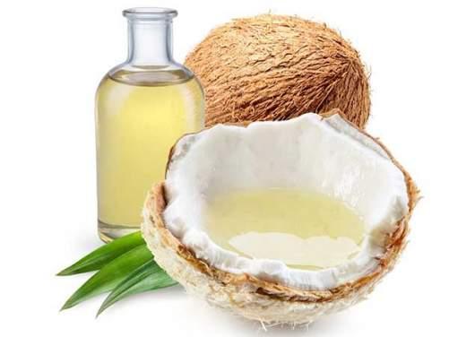 capelli mossi e olio di cocco