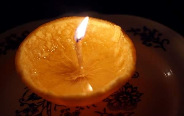 candele con la buccia di arancia