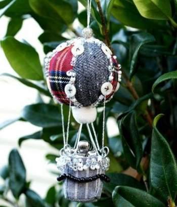 palline di natale con stoffa e bottoni patchworks