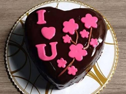 torta a forma di cuore