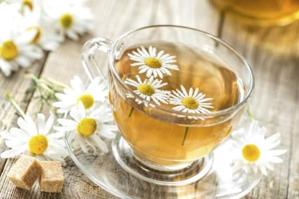bere camomilla con il mal di stomaco