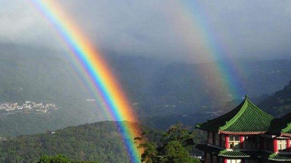 due arcobaleni insieme