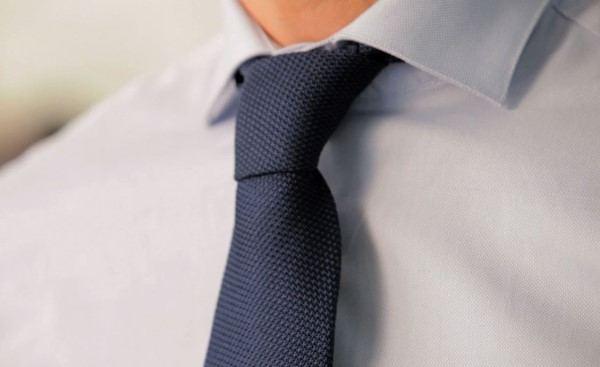 nodo per cravatta four in hand