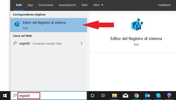 aprire registro di sistema su windows 10