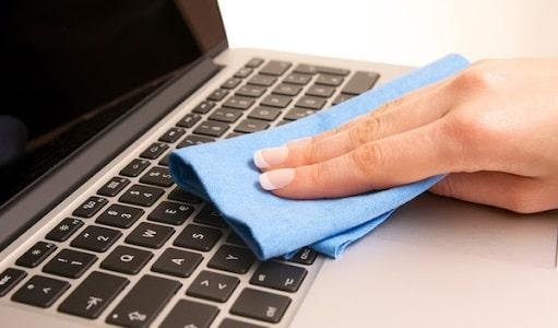 pulire la tastiera del portatile