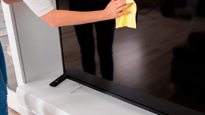 polvere su televisione