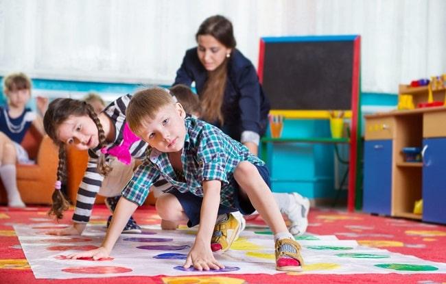 giocare a twister con i bambini