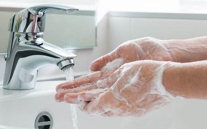 disinfettare le mani