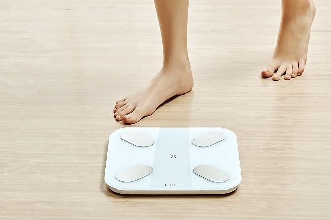 bilancia che calcola il grasso corporeo