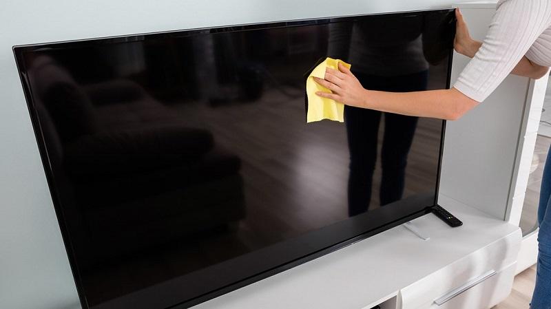 come pulire tv schermo piatto