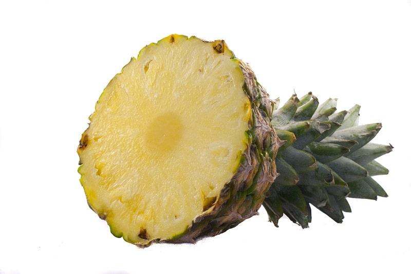 colorante naturale con l'ananas