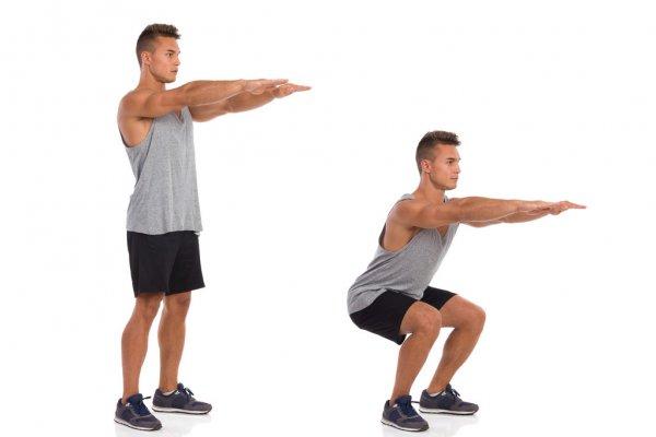 fare squat per rafforzare i muscoli