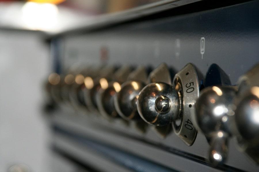 sgrassare il forno
