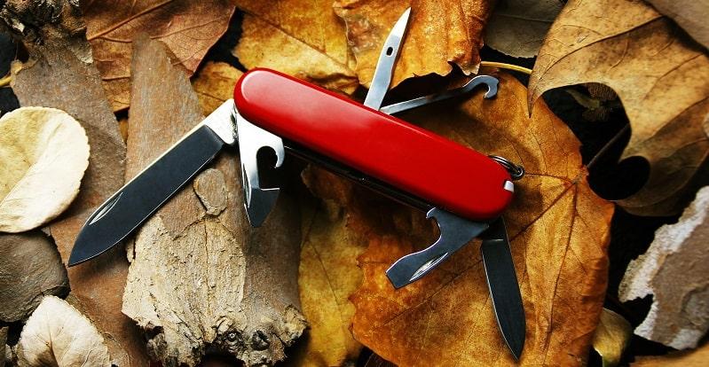 coltellino svizzero da campeggio