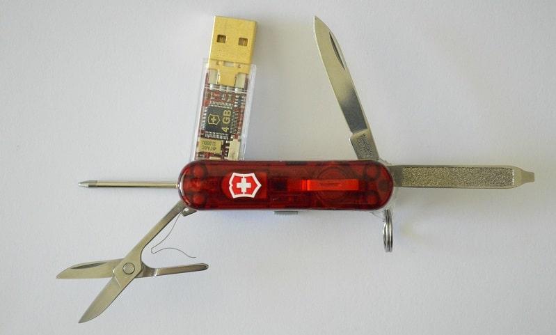 coltellino svizzero con usb